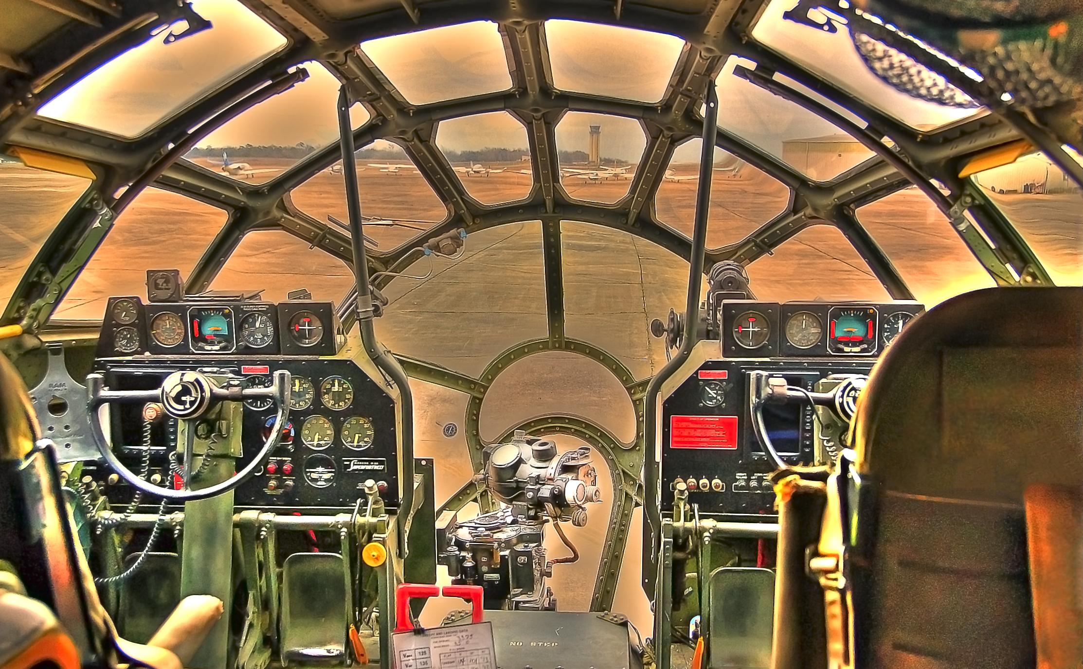 FIFI - Cockpit